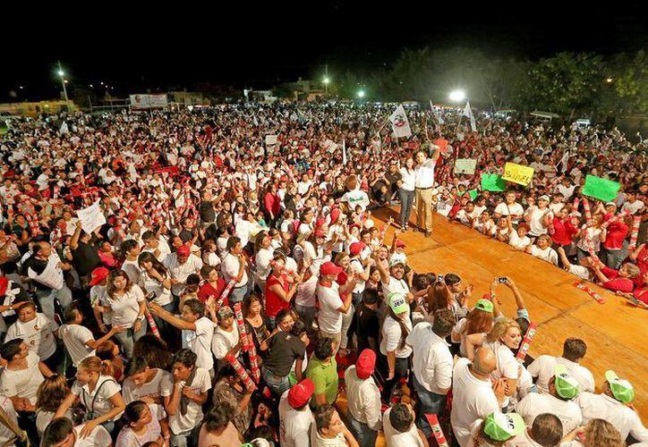 Nerio Torres Arcila encabezó cierres de campaña en los distritos II y IV de Mérida. (SIPSE)