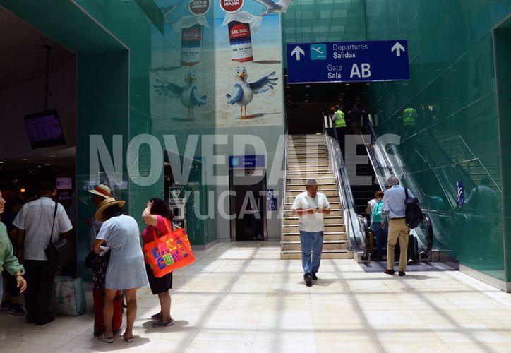 Indican que el aeropuerto no sufre de saturaciones de vuelos. (José Acosta/Novedades Yucatán)
