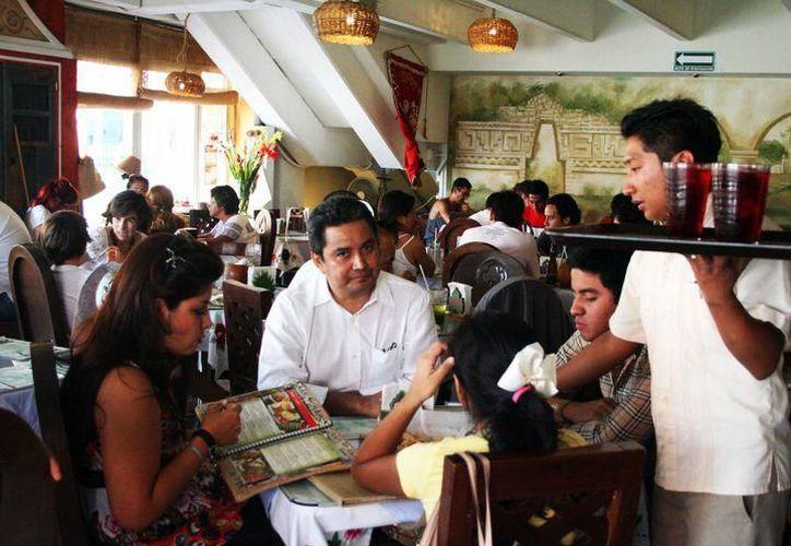 El objetivo de que las empresas restauranteras estén certificadas, es elevar la calidad en el sector turístico. (SIPSE)