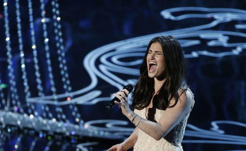 Idina Menzel, quien brilló al principio del año al cantar el tema 'Let it go' de 'Frozen' en la entrega de los premios Oscar, ahora cantará en el Super Bowl. (foxnews.com/Foto de archivo)