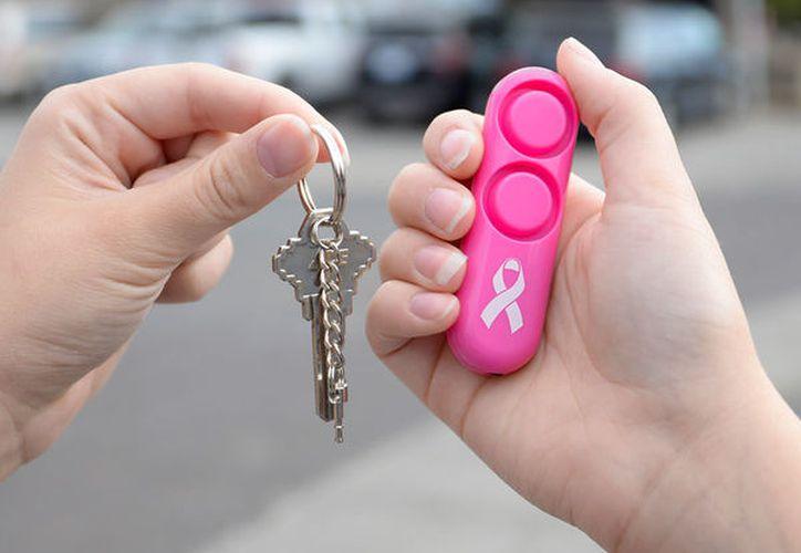 Una alarma de seguridad personal de mano es como un sistema de seguridad para su cuerpo. (Alarmas Sabre)