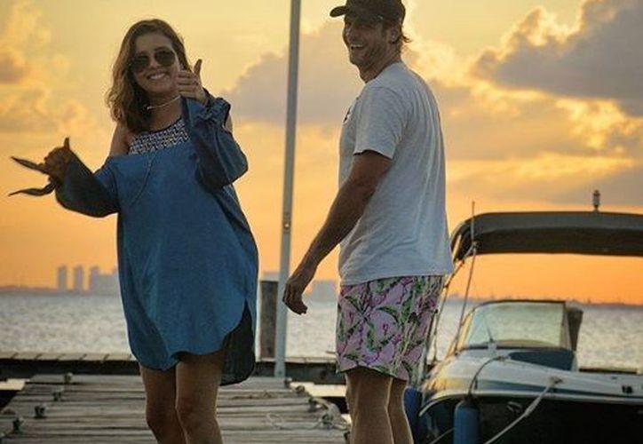 Ambos actores se encuentra disfrutando unas vacaciones en Isla Mujeres. (Instagram)