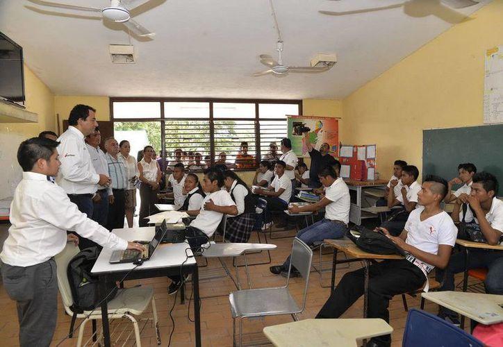 Los jóvenes de las comunidades pueden continuar sus estudios en los Terlebachilleratos de Quintana Roo. (Redacción/SIPSE)