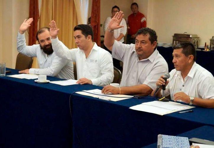 Ayer se realizó la primera sesión del Comité Técnico Estatal del programa Oportunidades. (Milenio Novedades)
