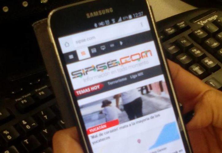 Una de las nuevas carreras con más futuro es crear aplicaciones para celular. (SIPSE.com)