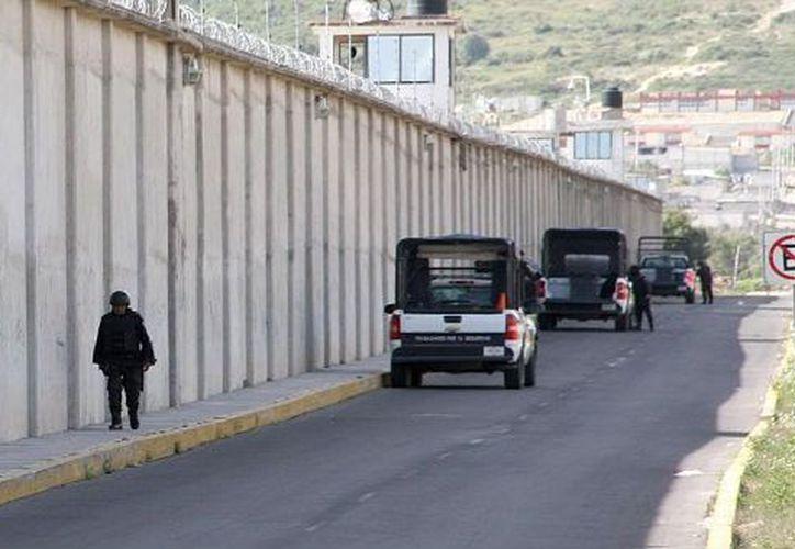 Los resultados del estudio sobre cárceles mexicanas fueron entregados a Peña Nieto. (Notimex)