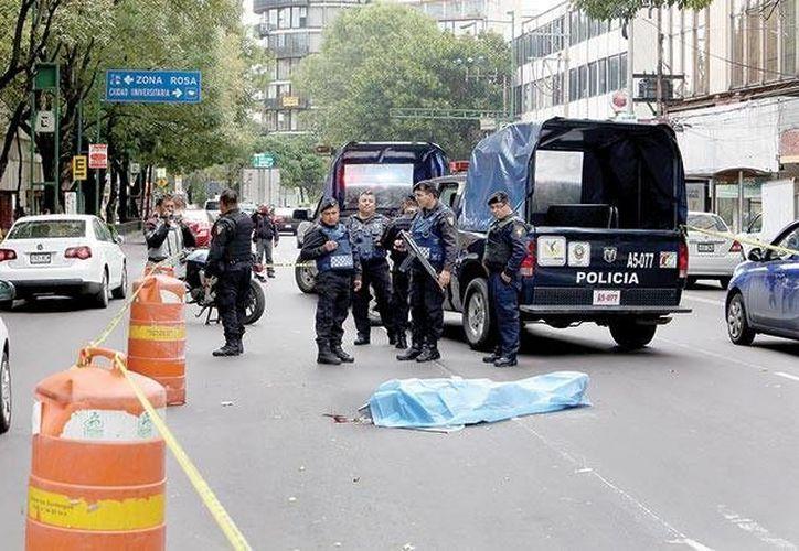 El pasado 30 de junio, un hombre fue abatido por un escolta luego de intentar asaltar a un empresario en calles de la colonia Nochebuena. (Excélsior)