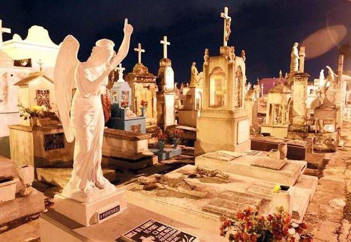 Para estas fechas, en honor a los muertos, se espera recibir más de 200 mil visitantes en los panteones meridanos. Imagen de uno de los cementerios en la Ciudad. (Milenio Novedades)