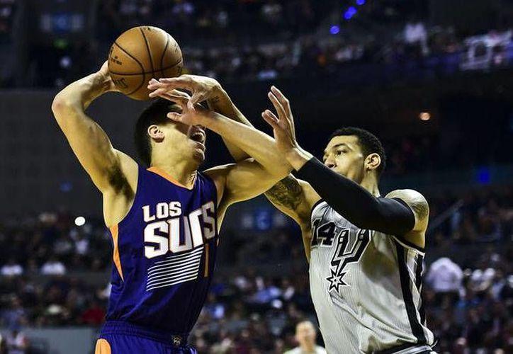 Los Suns de Phoenix se despiden de México con marca de una victoria y una derrota, ya que perdieron ante Dallas, el pasado jueves.(Foto tomada de Mediotiempo)