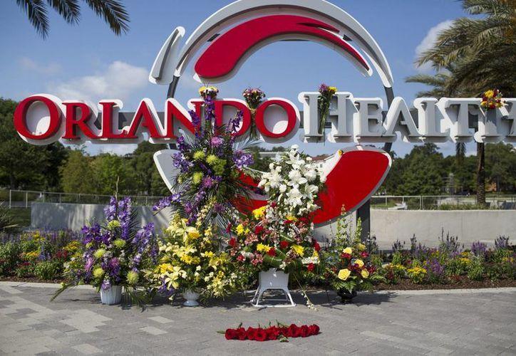 El alcalde de Orlando informó que 39 personas fallecieron en el ataque en la discoteca Pulse, mientras que otras 11 fallecieron mientras recibían atención médica. (EFE)