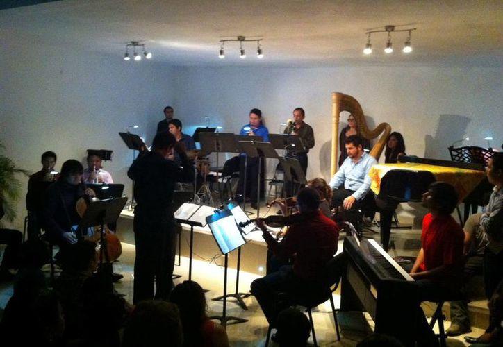 """Jóvenes músicos reinterpretaron las piezas del compositor mexicano durante la XXVIII edición del programa """"Nuevos Valores en la Música de Concierto"""". (Milenio Novedades)"""