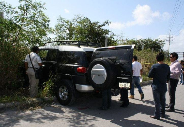 La camioneta de la persona herida impactó contra la maleza. (Juan Estrada/SIPSE)