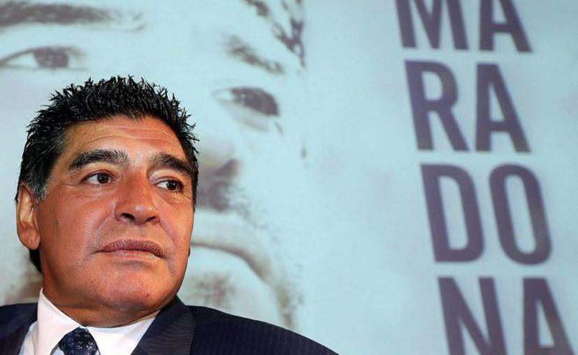 Maradona pasó su cumpleaños en Dubai, donde trabaja como embajador deportivo. (EFE)