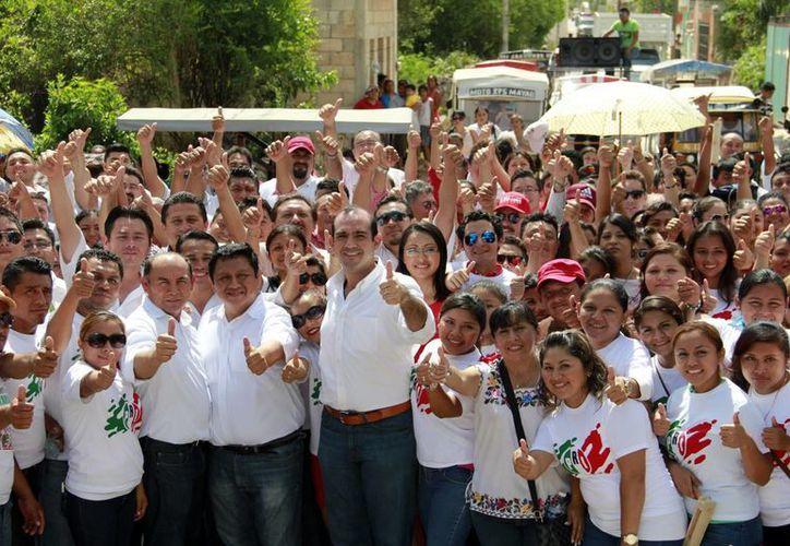 Felipe Cervera Hernández, candidato del PRI a diputado federal por el V distrito federal. (Milenio Novedades)
