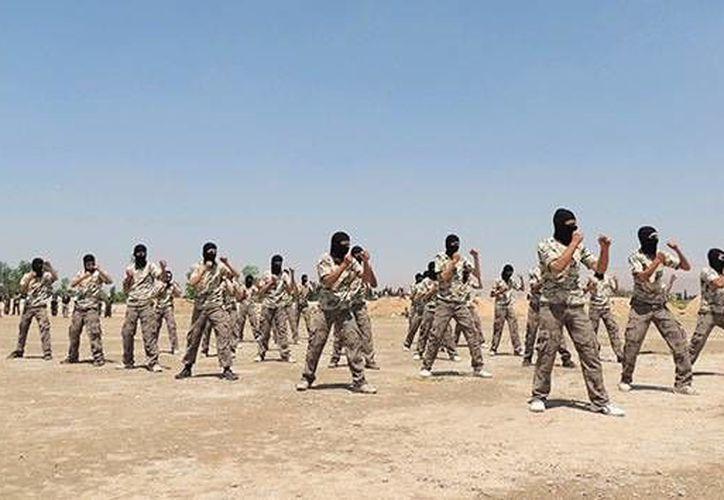 El Reino Unido puso como plazo un año para formar el ejército con el que intentaría deponer a Bashar Al Assad. (Archivo/Reuters)