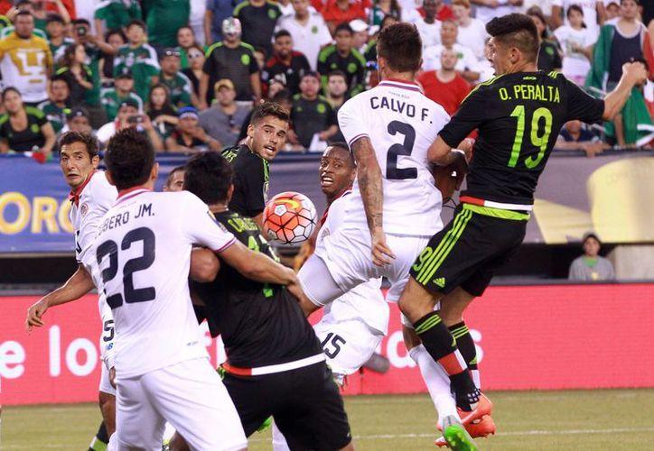 La selección Mexicana de futbol avanzó a semifinales de Copa Oro al vencer 1-0 a Costa Rica en penales. (Notimex)