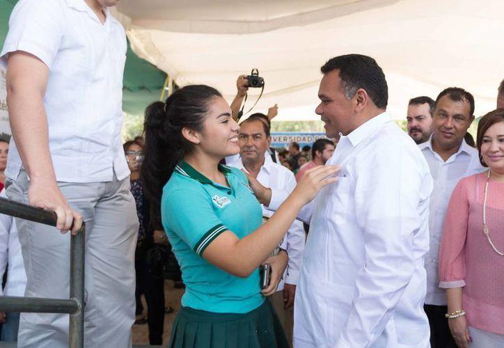 El gobernador de Yucatán presidirá cinco eventos este sábado, entre ellos la Inauguración de la Planta Matriz de Etiquetas y Etiquetadores del Sureste S.A de C.V. del Grupo Eetisur. (Foto del Gobierno de Yucatán)