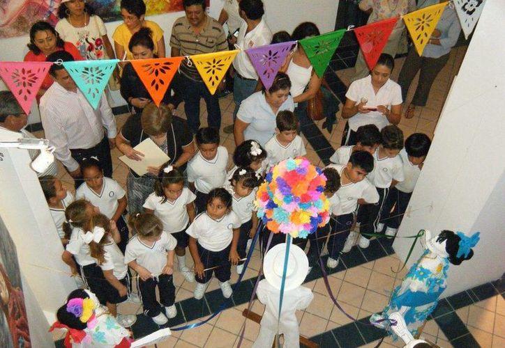 Buscan que los jóvenes conozcan la tradición mexicana. (Redacción/SIPSE)