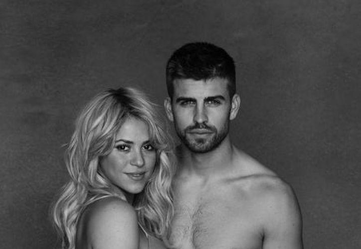 Esta nueva imagen del embarazo de Shakira la muestra con un vientre prominente a semanas de dar a luz. (@shakira)