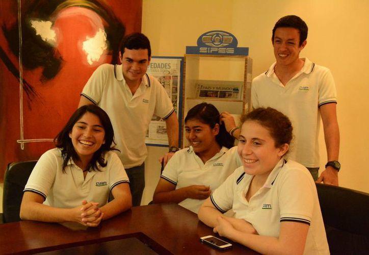 Los jóvenes de bachillerato calificaron a la competencia como un espacio donde encontraron amistades e intercambio cultural. (Victoria González/SIPSE)