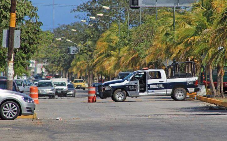 Afecta a 30 familias cierre de la avenida xcaret for Oficina xcaret cancun