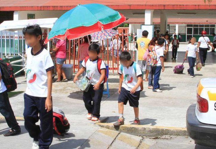 En el ciclo escolar anterior 11 docentes fueron destituidos por incurrir en caso de acoso a estudiantes. (Benjamín Pat/SIPSE)
