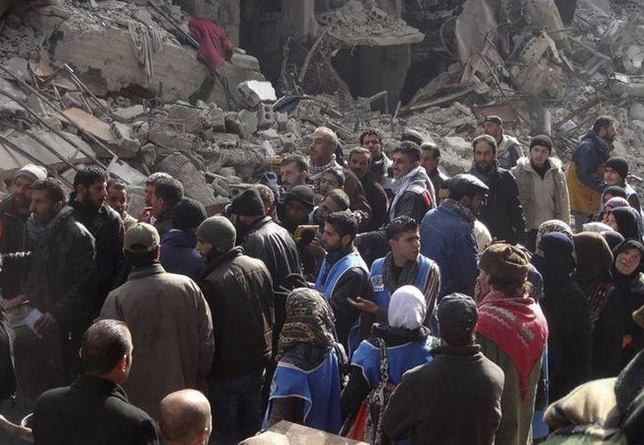 Imagen cedida por la agencia de noticias oficial de Siria (SANA) el 1 de abril, del campo de refugiados palestino de Al Yarmuk, en Damasco. (EFE)