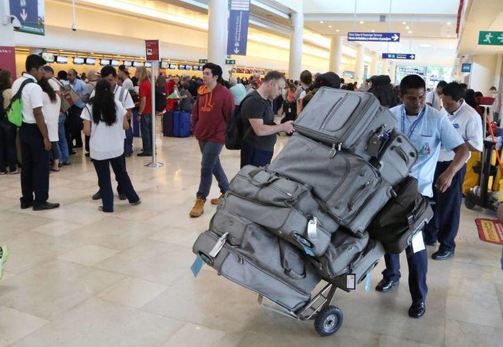 Los sudamericanos que no cuentan con visa estadounidense para ir de compras a Miami. (Tomás Álvarez/SIPSE)