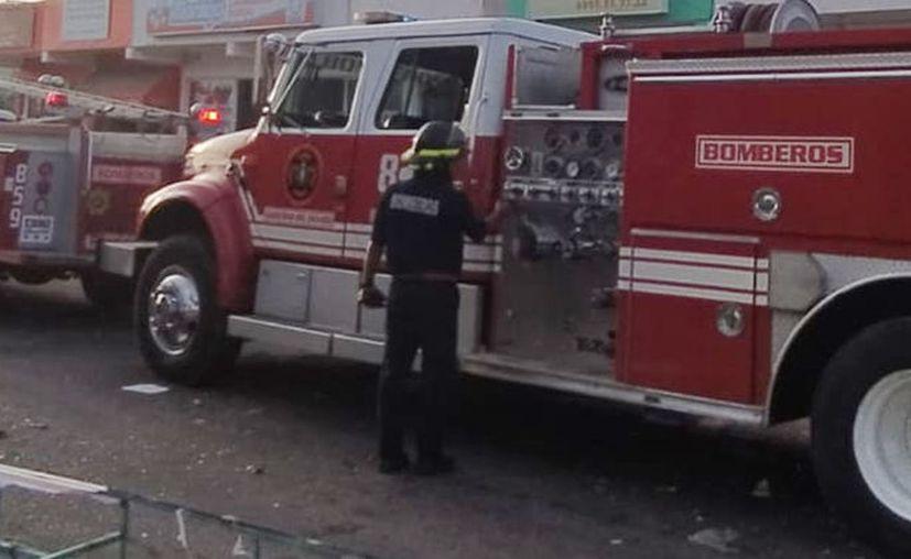 Bomberos, ambulancias y patrullas de la Secretaría de Seguridad Pública llegaron al lugar de los hechos. (Foto de archivo/Novedades Yucatán)