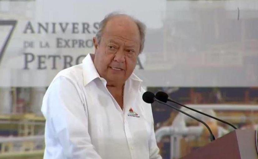Carlos Romero Deschamps participó en la conmemoración del 77 aniversario de la Expropiación Petrolera. (Twitter.com/@Esquivelvic)