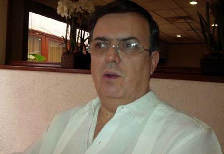 Marcelo Ebrard está de gira por Oaxaca. (Milenio)