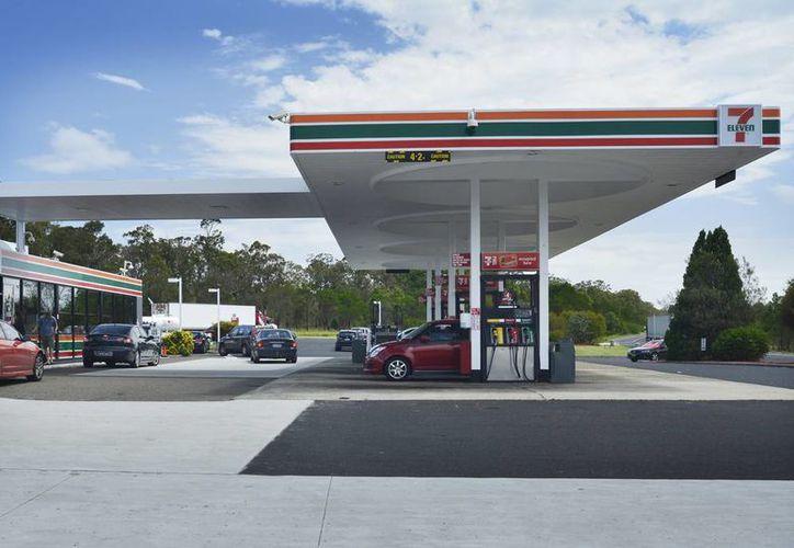 La cadena de tiendas de conveniencia 7-Eleven, que opera en Quintana Roo y Yucatán, anunció que tendrá gasolineras propias. (Perich Constructions)