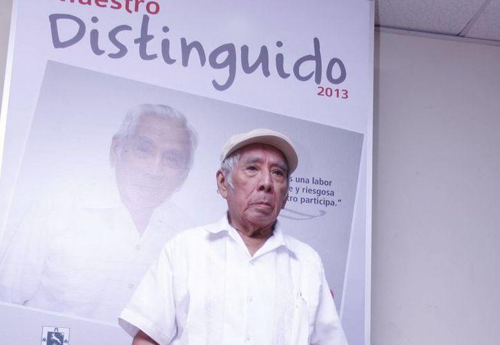 A sus 87 años de edad, el maestro Fidelio Quintal Martín es recipiendario del reconocimiento al Maestro Distinguido. (Juan Albornoz/SIPSE)