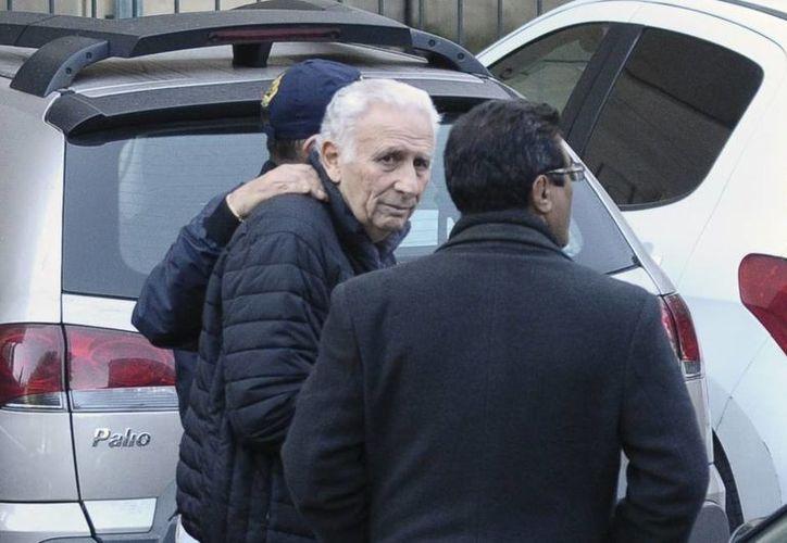 Los empresarios argentinos Hugo y Mariano Jinkis se entregaron a la justicia este jueves tras permanecer prófugos tres semanas en el marco del escándalo de corrupción que afecta a la FIFA. (Foto: elgraficodiario.com)