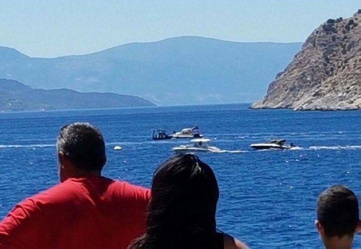 La cercanía de Aegina con Grecia la convierte en un destino popular entre turistas. (twitter.com/YanniKouts)