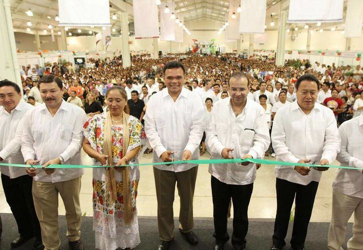 Imagen de la inauguración de la Expo Empleo Yucatán en julio del año pasado. Se ofertaron mil 600 plazas de 63 empresas. (@STPS_mx)