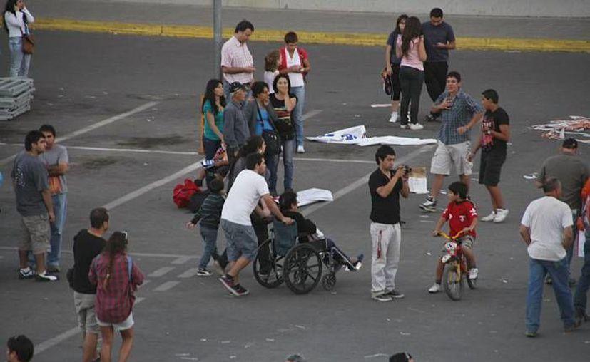 Los edificios de Santiago fueron desalojados. (Archivo/Agencias)