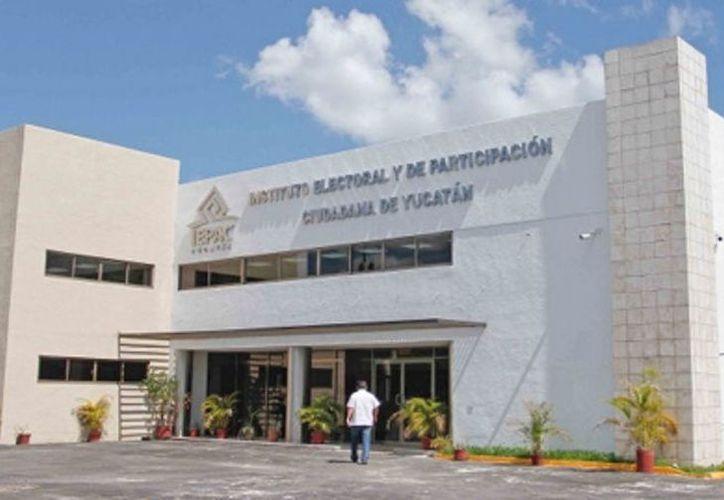 Los trabajadores que causaron baja laboraban en distintos departamentos. (Novedades Yucatán)
