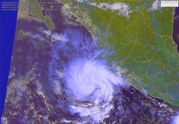 Dalila es la tercera tormenta que alcanza la categoría de huracán en el Pacífico en esta temporada. (Notimex)