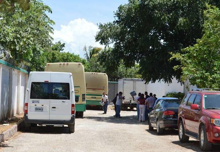 Los autobuses salían de la capital del Estado de retorno a Mérida, Yucatán. (Gerardo Amaro/SIPSE)