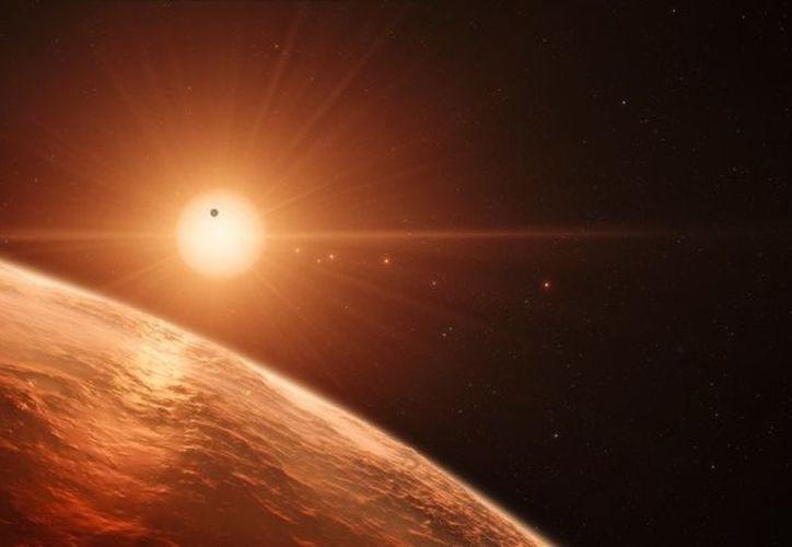 Expertos consideran que se podía descubrir vida en los planetas rocosos de la zona potencialmente habitable de las enanas rojas cercanas. (ESO/N. Bartmann/spaceengine.org)