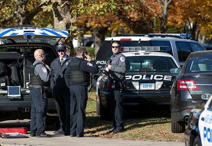 El agresor le había disparado cerca de una casa al otro lado de la calle. (RT)