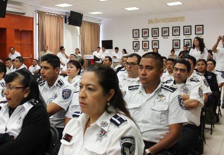 """Participaron 70 oficiales en el curso """"Orgullo de servir con resultados. (Redacción/SIPSE)"""