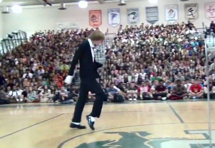 El alumno de la Pitman High School de California lleva una década imitando a Michael Jackson. (Captura de pantalla/Youtube)