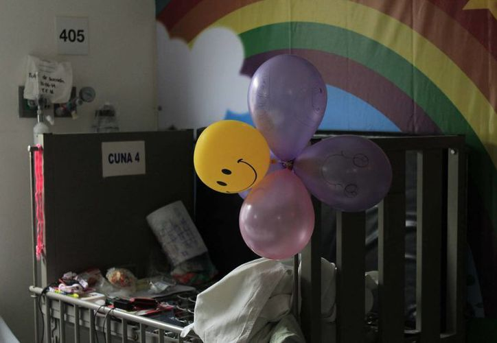 Para prevenir la muerte de cuna, el Hospital General imparte talleres a madres inexpertas para enseñarles a cuidar mejor a sus bebés.  (Paloma Wong/SIPSE)
