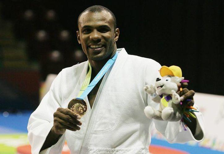 El judoca mexicano Isao Cárdenas (Foto) se impuso al sudamericano  Rafael Romo gracias a que le aplicó un ippon en el minuto 1:24 de tiempo corrido y de esa manera pudo subir al podio en los Juegos Panamericanos. (Conade)