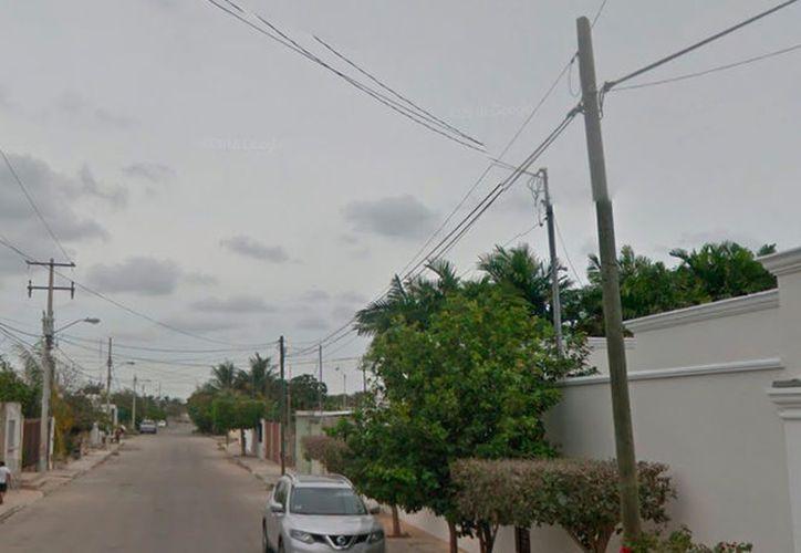 Vista de la calle 22 de Bugambilias, en Mérida, donde un hombre se quitó la vida, este sábado. (Vista de Google Street View)
