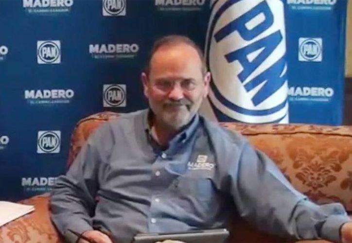 Gustavo Madero, candidato a la presidencia nacional del PAN durante el vídeo de su entrevista. (Milenio)