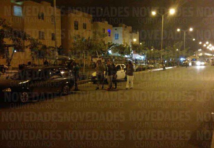 Autoridades municipales acudieron al lugar para atender el hecho. (Pedro Olive/SIPSE)