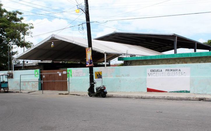 Un grupo de niñas que estudian en la escuela primaria Vicente Guerrero, en Progreso, agreden a sus demás compañeros, en un caso de bullying que fue denunciado por las madres de familia de los pequeños que son víctimas. (Gerardo Keb/SIPSE)
